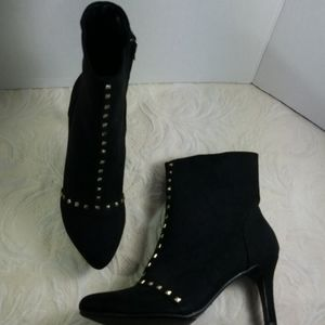 Boots black gold studded ankle like new heeled